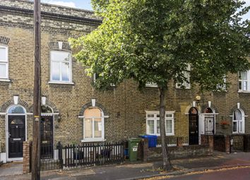 Monnow Road, London SE1. 3 bed flat