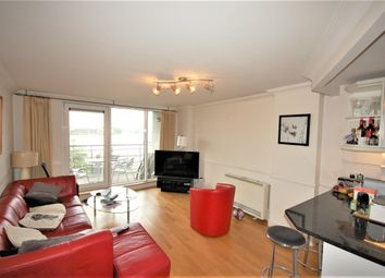 3 bed flat to rent in Glaisher Street, Millennium Quay SE8, London