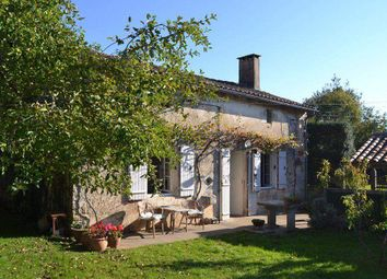 Thumbnail 6 bed country house for sale in 16700 Ruffec, France