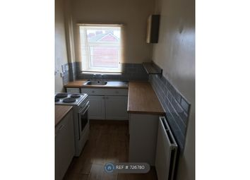 2 bed flat to rent in Barnsley Road, South Elmsall WF9