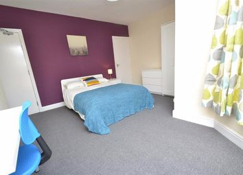 Thumbnail Room to rent in Luxor View, Leeds