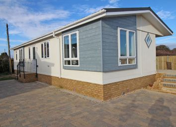 Thumbnail 2 bed mobile/park home for sale in Solent Grange, New Lane, Milford On Sea, Lymington