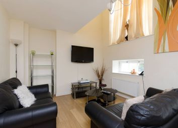 Thumbnail 2 bed flat to rent in Shepperton Road, Islington