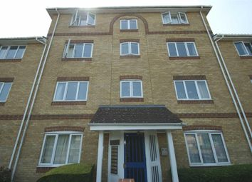 Thumbnail 2 bed flat to rent in Swanmead, Apsley, Hemel Hempstead