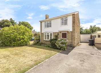 Charts Close, Cranleigh GU6. 4 bed detached house