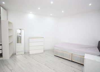 Thumbnail 1 bedroom terraced house to rent in Wells House Road, Acton