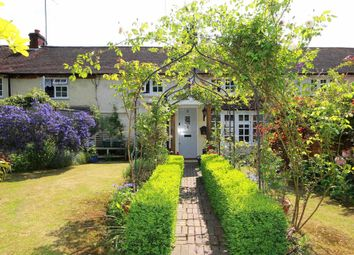 Thumbnail 2 bed cottage for sale in Long Lane, Bovingdon, Hemel Hempstead