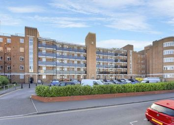 Thumbnail 4 bed flat to rent in Glenbuck Road, Surbiton