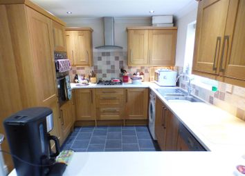 Thumbnail 4 bed detached house for sale in Fordington Place, Kineton, Warwick