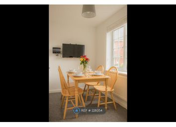 Thumbnail Room to rent in Dickenson Road, Colchester