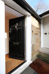 2 bed flat to rent in Gloucester Lane, New Town, Edinburgh EH3