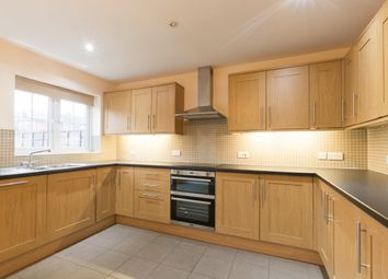 Thumbnail 3 bed property to rent in Craven Road, Newbury, Berkshire