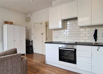 1 bed flat to rent in Commercial Road, Limehouse, London E14