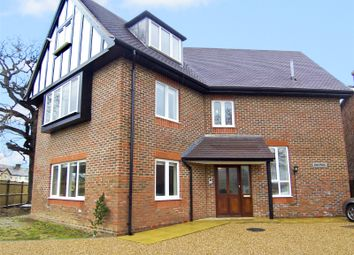 Thumbnail 2 bed flat to rent in Four Elms Road, Edenbridge