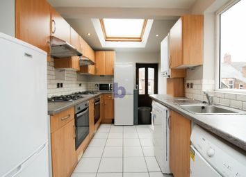 Thumbnail 6 bed maisonette to rent in Doncaster Road, Sandyford