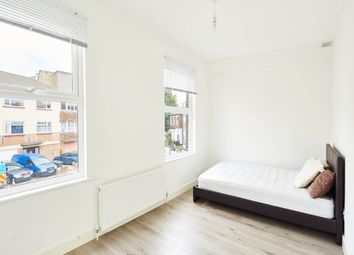 Thumbnail 3 bedroom flat to rent in Canning Crescent, London