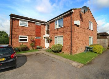 Thumbnail 2 bed maisonette to rent in Crawley Road, Horsham, West Sussex