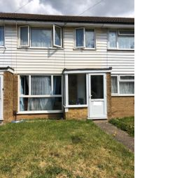 3 bed terraced house for sale in Cleave Avenue, Hayes UB3