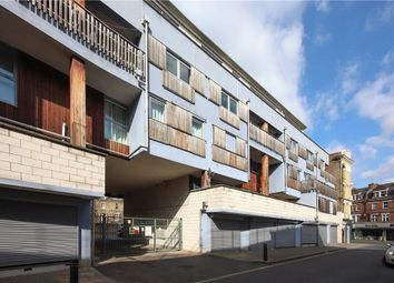 Thumbnail 3 bed flat to rent in Grosvenor Terrace, London