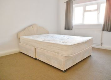 Thumbnail 3 bed flat to rent in Bridge Street, Swindon