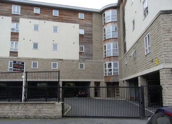 Thumbnail 1 bed flat to rent in View Croft Road, Shipley