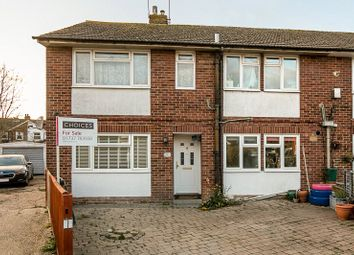 Thumbnail 2 bed flat for sale in Windmill Close, Horley, Surrey