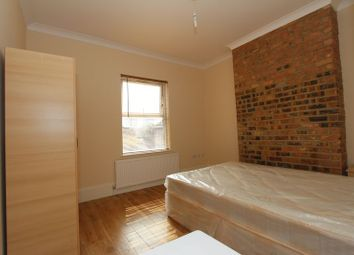 Room to rent in Myddleton Road, London N22