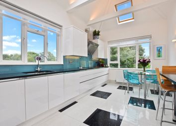 Thumbnail 5 bed flat to rent in The Avenue, Queens Park, London