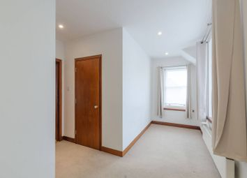 Thumbnail 3 bedroom flat to rent in Ferncroft Avenue, Hampstead