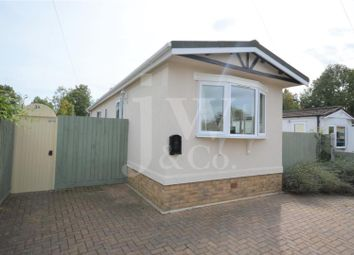 Thumbnail 2 bedroom mobile/park home for sale in Frogmore Home Park, Park Street, St.Albans