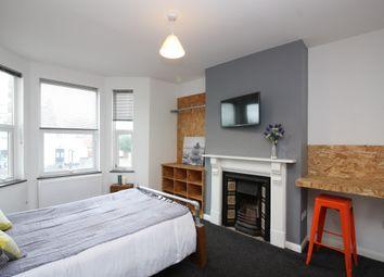 Room to rent in Alphington Road, St. Thomas, Exeter EX2