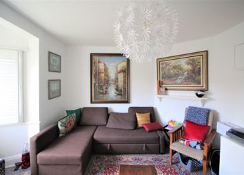 2 bed maisonette to rent in Denison Close, London N2