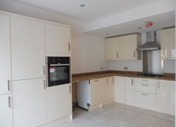 Thumbnail Flat to rent in Cliffe Road, South Croydon