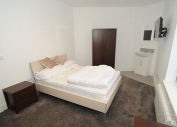 Thumbnail Room to rent in Kingsway South, Warrington