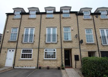 Thumbnail 3 bed town house for sale in Far Highfield Close, Idle, Bradford