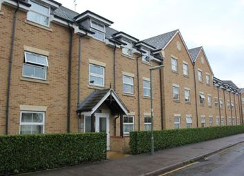 Thumbnail 2 bedroom flat to rent in North Road, Woking