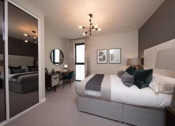 Thumbnail 3 bed flat for sale in Mill Hill, London