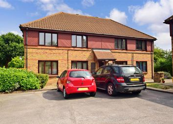1 bed flat for sale in Wickford Avenue, Basildon, Essex SS13