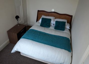 Thumbnail 5 bed shared accommodation to rent in Lea Road, Abington, Northampton