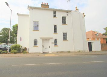 1 bed flat to rent in Upton Court Road, Slough, Berkshire SL3