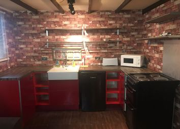Thumbnail Studio to rent in Chigwell Road, Chigwell