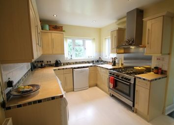 Thumbnail 5 bed detached house to rent in Oakley Road, Bromley
