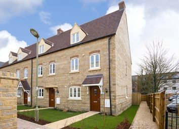 Thumbnail 3 bed town house to rent in Buttercross Lane, Witney