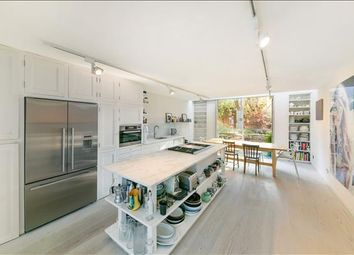Thumbnail 6 bed terraced house for sale in Britton Street, City, London