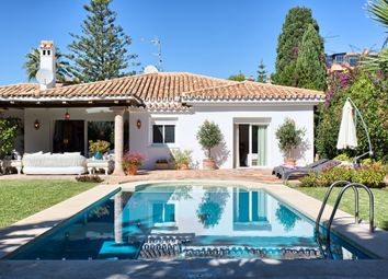Thumbnail 3 bed bungalow for sale in Estepona, Estepona, Málaga, Andalusia, Spain