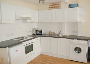 1 bed flat to rent in Gloucester Terrace, London W2