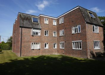 Thumbnail 2 bed flat for sale in North Road, Petersfield