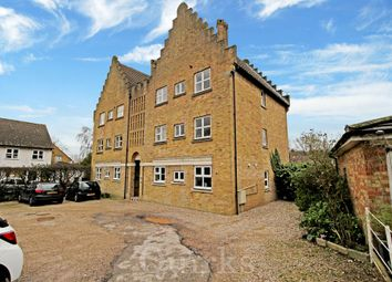 2 bed flat for sale in Fore Street, Laindon, Basildon SS15