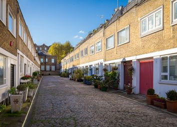 Thumbnail 4 bed mews house to rent in Queens Mews, London