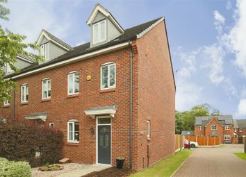 3 bed town house for sale in Burberry Avenue, Hucknall, Nottinghamshire NG15